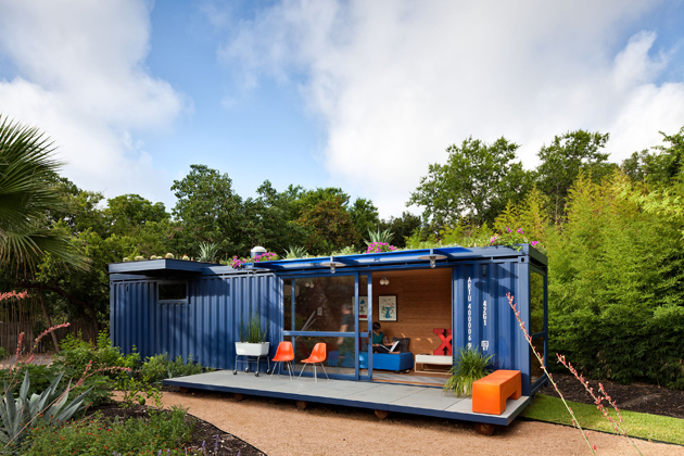 Container Guest House: credit Poteet Architects, Texas